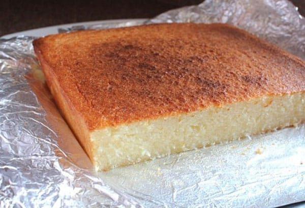 Bánh sau khi nướng có màu vàng bắt mắt và rất thơm