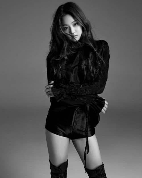 Jennie nóng bỏng ở tuổi 20