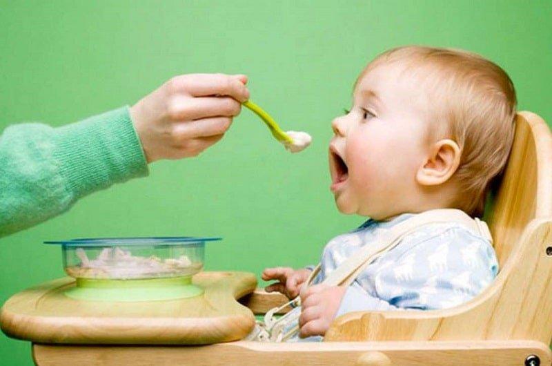 bột ăn dặm giúp trẻ tăng cân