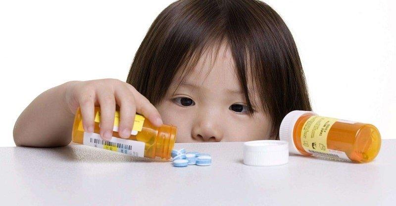 nên cho bé uống thuốc trước hay sau khi ăn