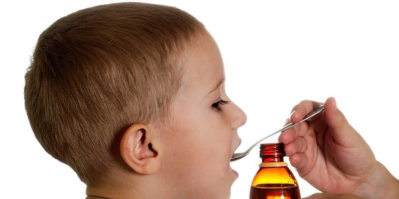 lưu ý khi cho trẻ uống thuốc