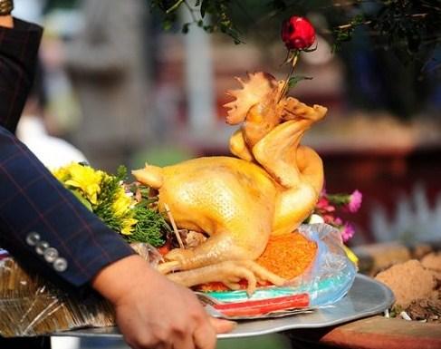 Cách buộc gà cúng kiểu gà chầu