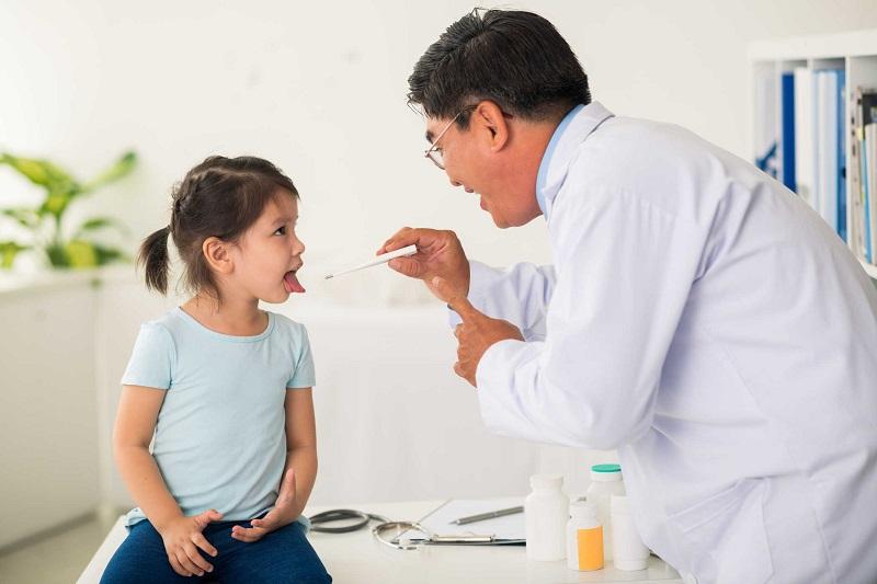 điều trị sốt phát ban