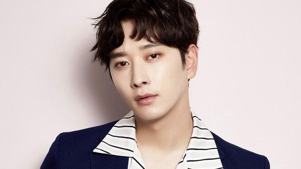 Chansung có tên thật là Hwang Chan Sung