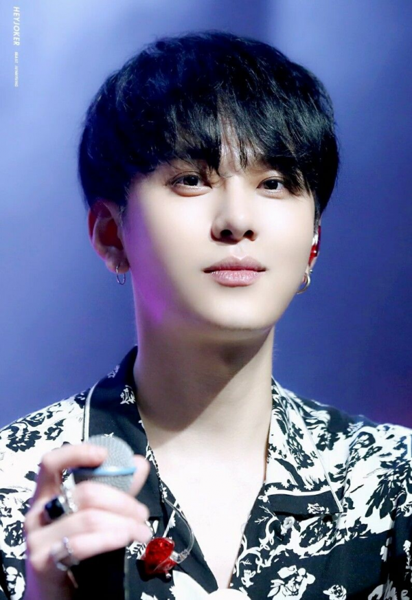 Jun Hyung từng được biết đến với nghệ danh Poppin' Dragonkhi còn hoạt động trong nhóm XING và Joker.