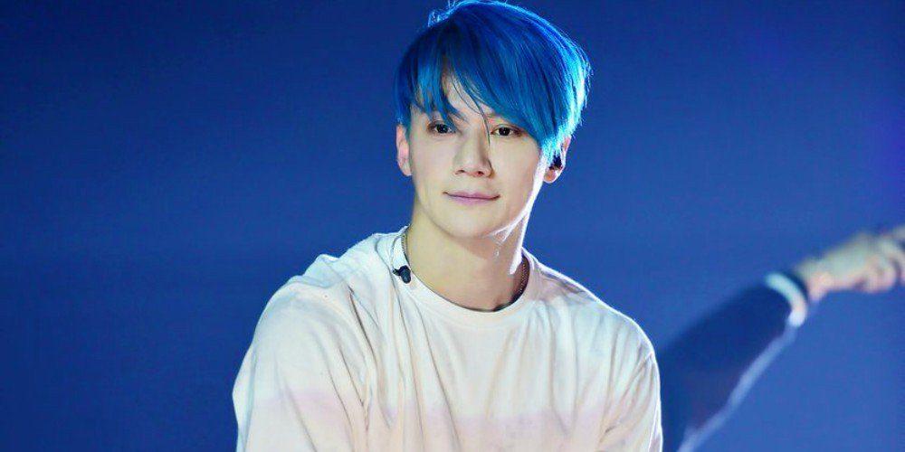 """Lee Jae Jin được mệnh danh là """"sporty guy"""" của F.T.Island bởi anh đá bóng rất giỏi."""