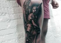 chân xăm thiên thần