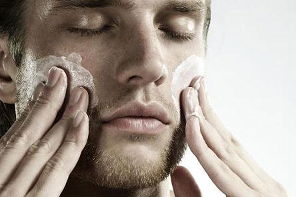 Chăm sóc da mặt cho nam tuổi dậy thì