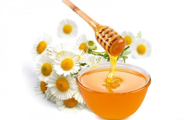 Rửa mặt tẩy trang bằng mật ong